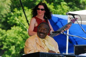 With Floyd Dixon at Russian River Festival, 2006. Photo by Joe Weinroth.